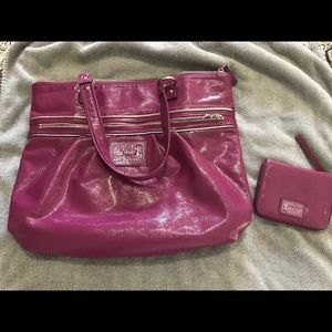 Coach patent leather poppy daisy purse and wallet
